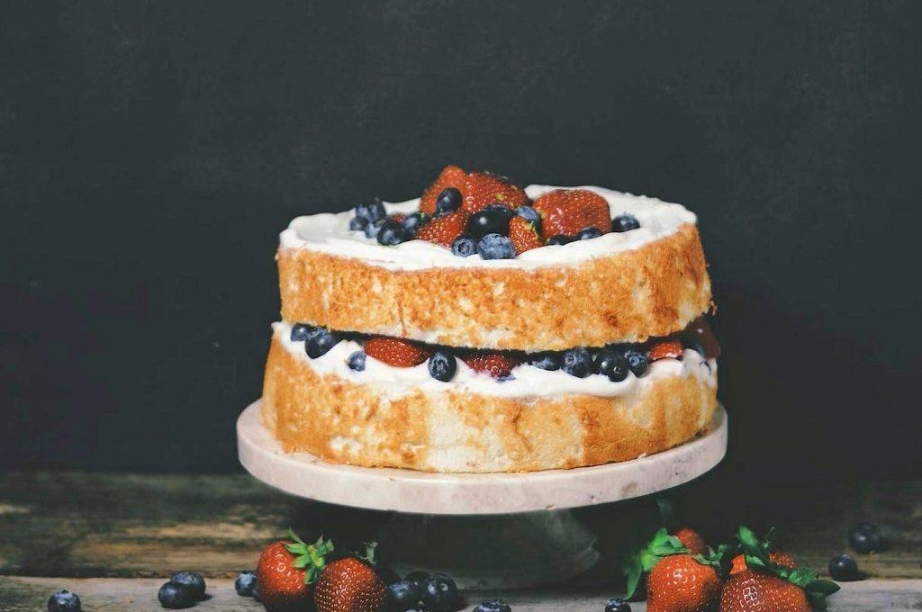 Rustikalna mascarpone torta s voćem